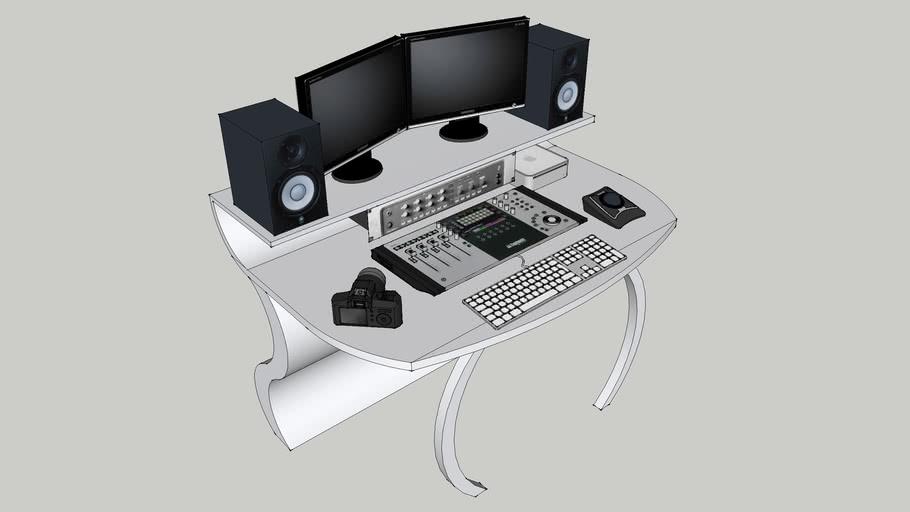 Post-Prod Desk Set up