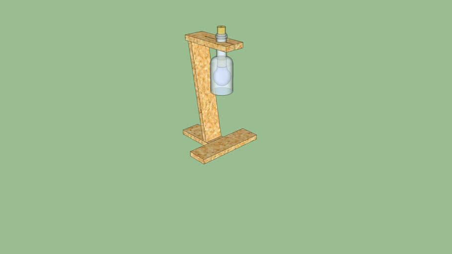 Lámpara de mesa con tablas de palés.