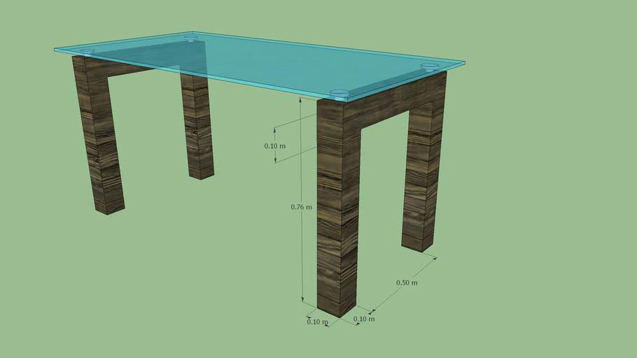 Tavolo con piano in vetro