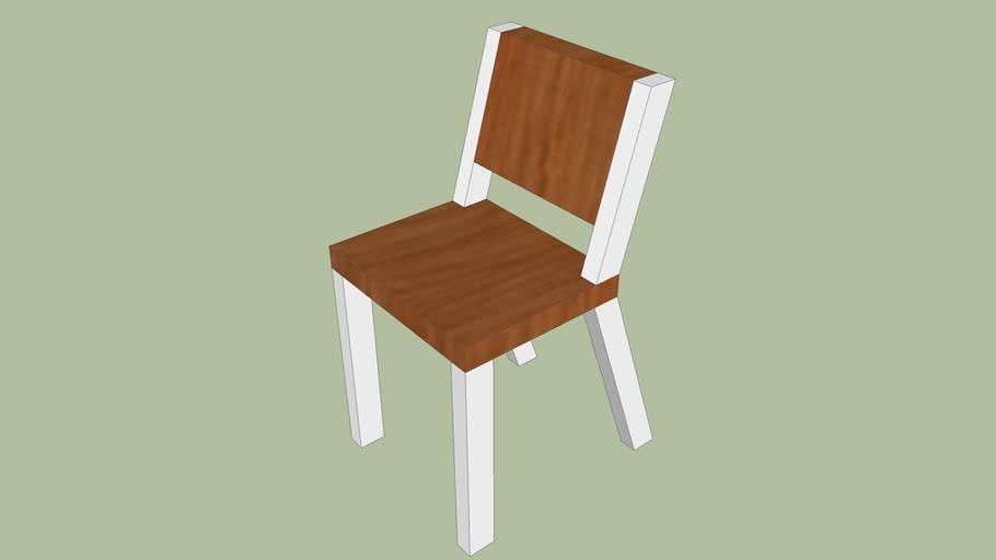 Chaise contemporaine (en cerisier et blanche)