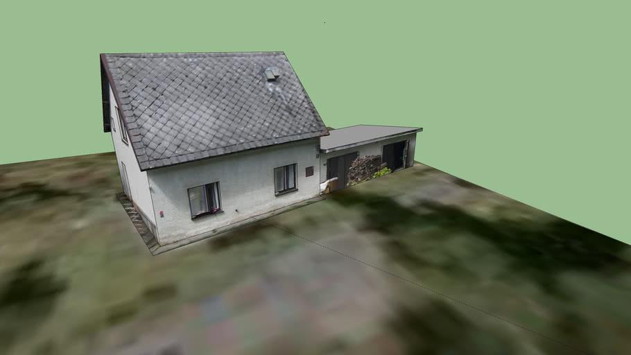 Dolní Hluboká house E22