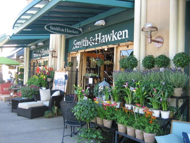Gardening shop   園藝店
