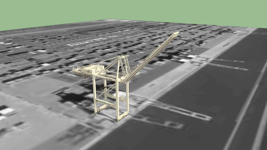 Post Panamax Shipping Crane (raised)