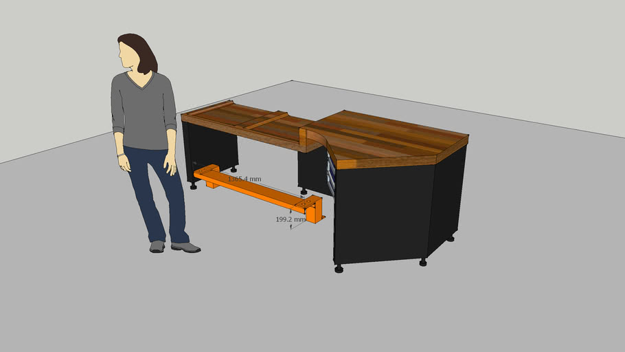 Goods-in work table with step platform