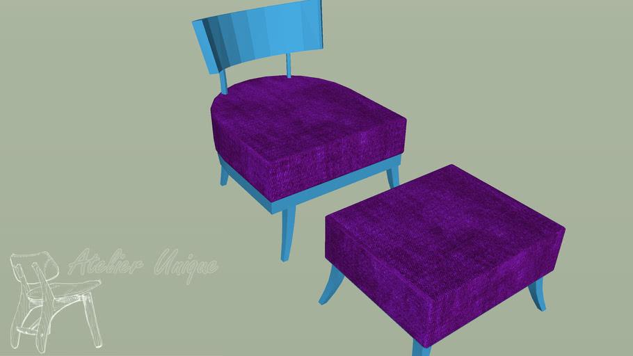 Poltrona laca azul assento roxo com puff