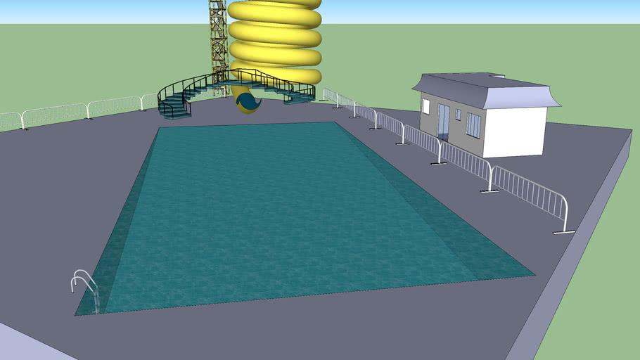 tobogan de agua con piscina, escaleras, vallas y una casa