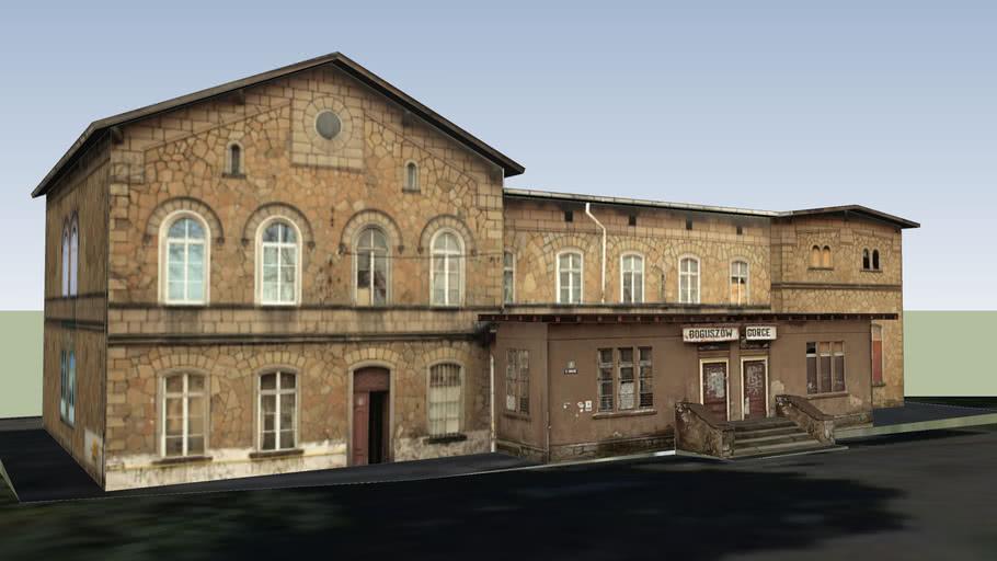 Zabytkowy dworzec PKP