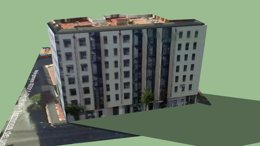 Edificio de viviendas en Plaza de Cólón. Córdoba.