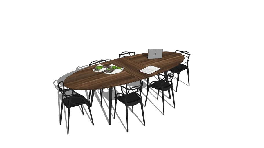Table à manger de forme ovale en noyer français pour 8 couverts / Dinner table